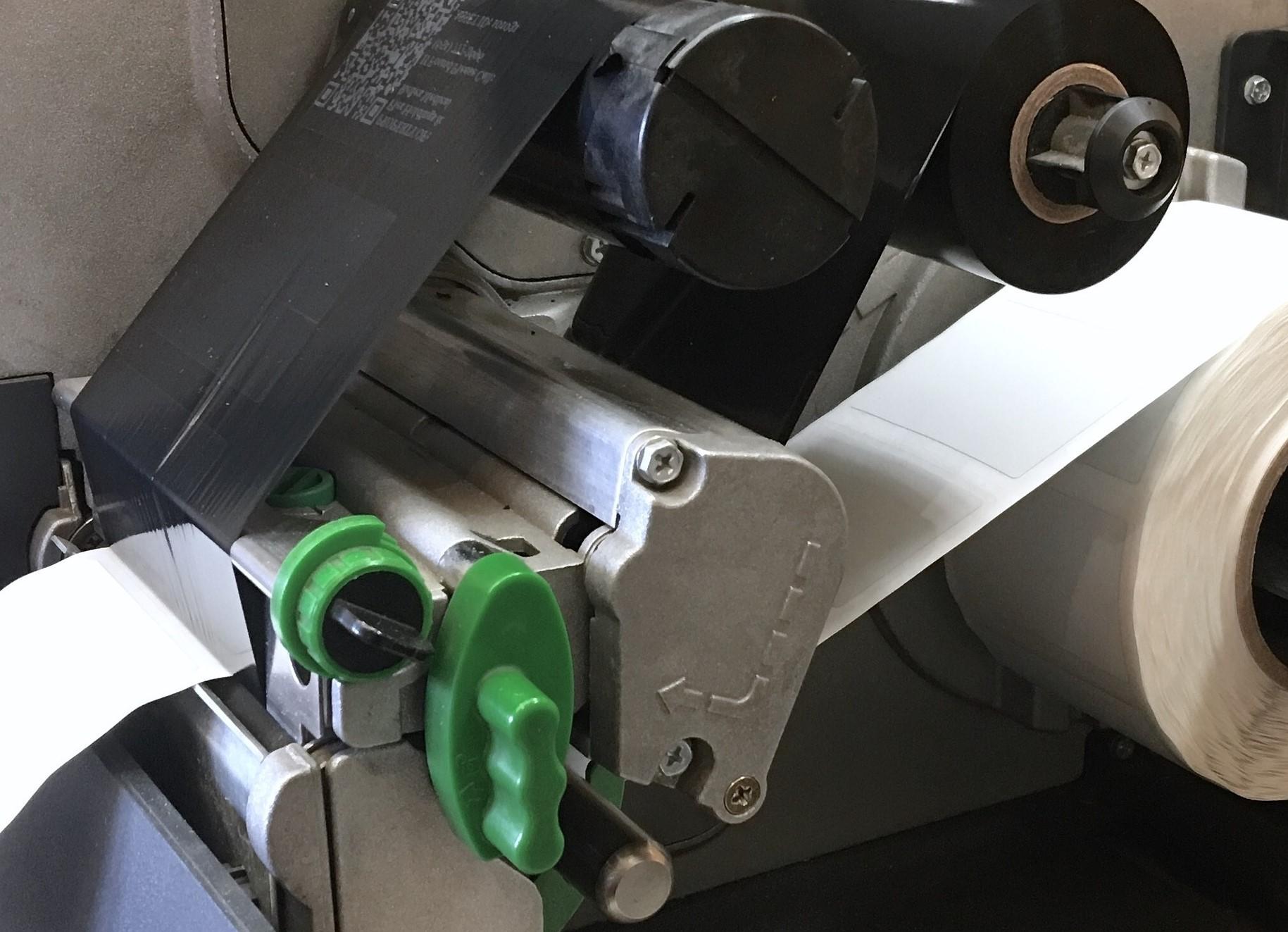 Ein Farbband für den Etikettendrucker